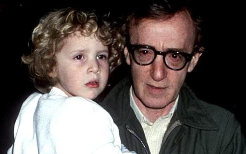 伍迪艾倫從小和女兒很親密,是女兒非常喜歡又信任的父親